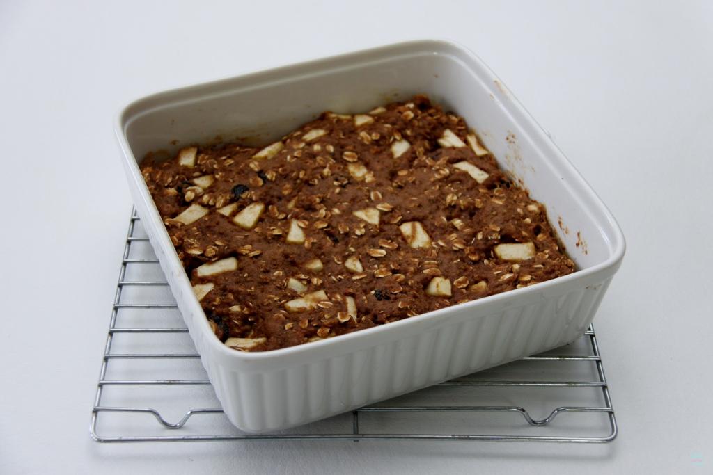 Oatmeal-Quinoa Breakfast Bars Recipe — Dishmaps