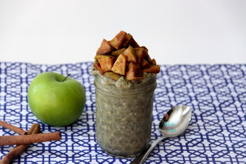 Apple Pie Overnight (Protein) Oats with cooked apples