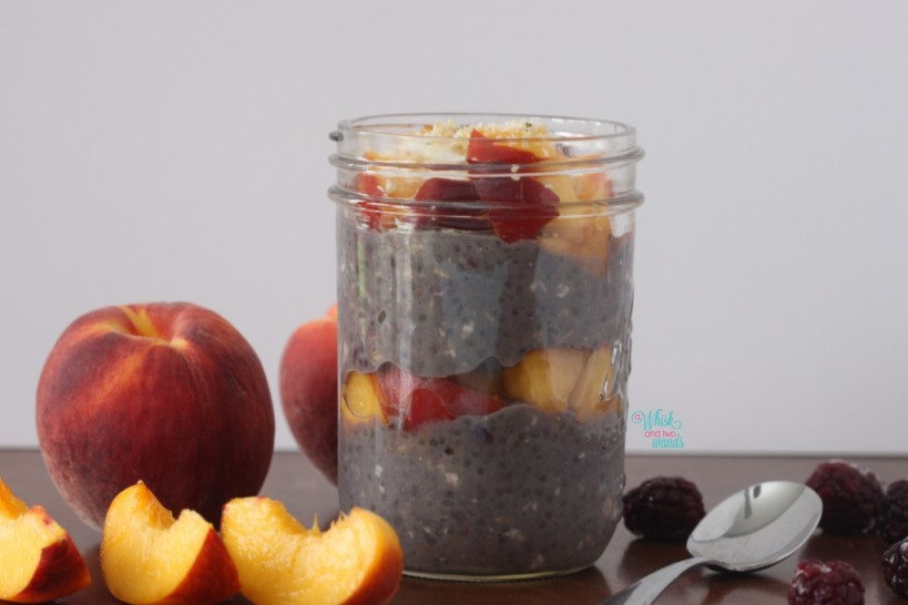 Berry Peach Overnight Chia Protein Oats (Blackberry)