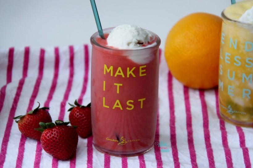 Strawberry Summer Smoothie Float
