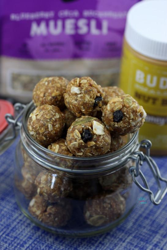 Peanut Butter Muesli Snack Bites