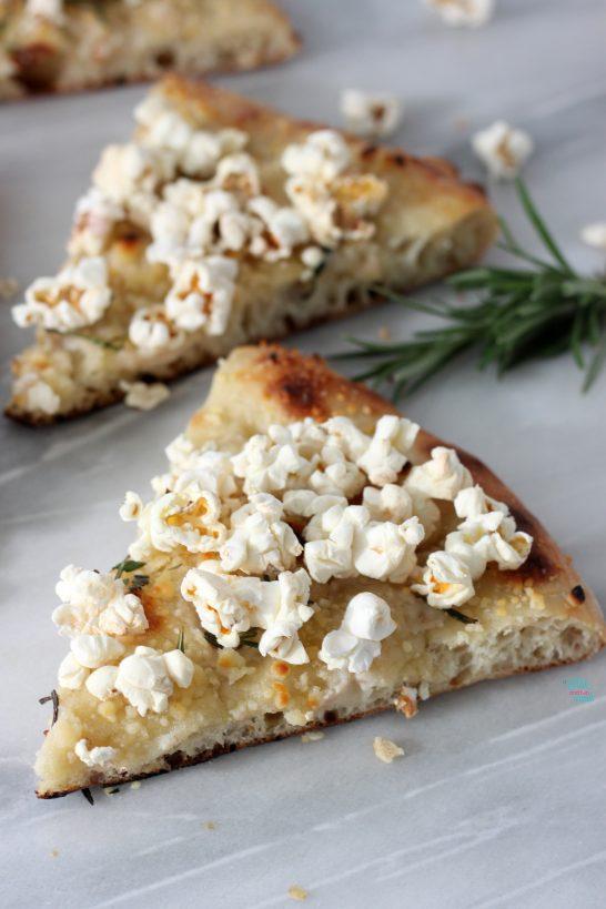 Parmesan Rosemary Popcorn Pizza (vegan)