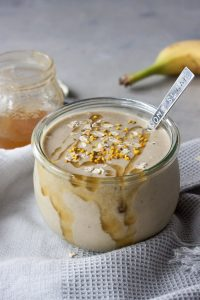 Honey Nana Oat Smoothie Bowl, A Whisk and Two Wands