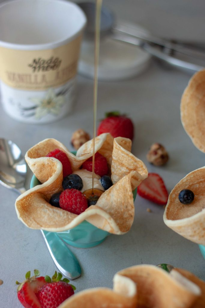 Berry OddParents Pancake Sundae Bowls with pure maple syrup and berries